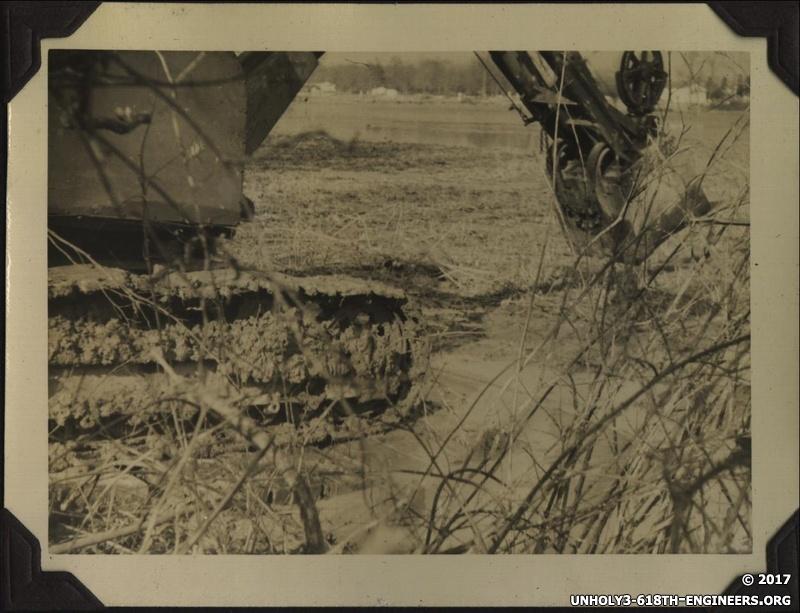 WWII shovel bucket